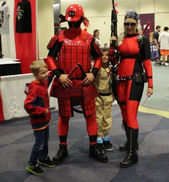 The Deadpool Family - easily the best two Deadpool costumes I saw personally. #HeavyCompetition
