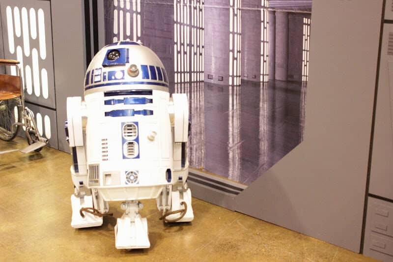 The ever present R2D2. Its not a FanExpo without him (or her?... it?)