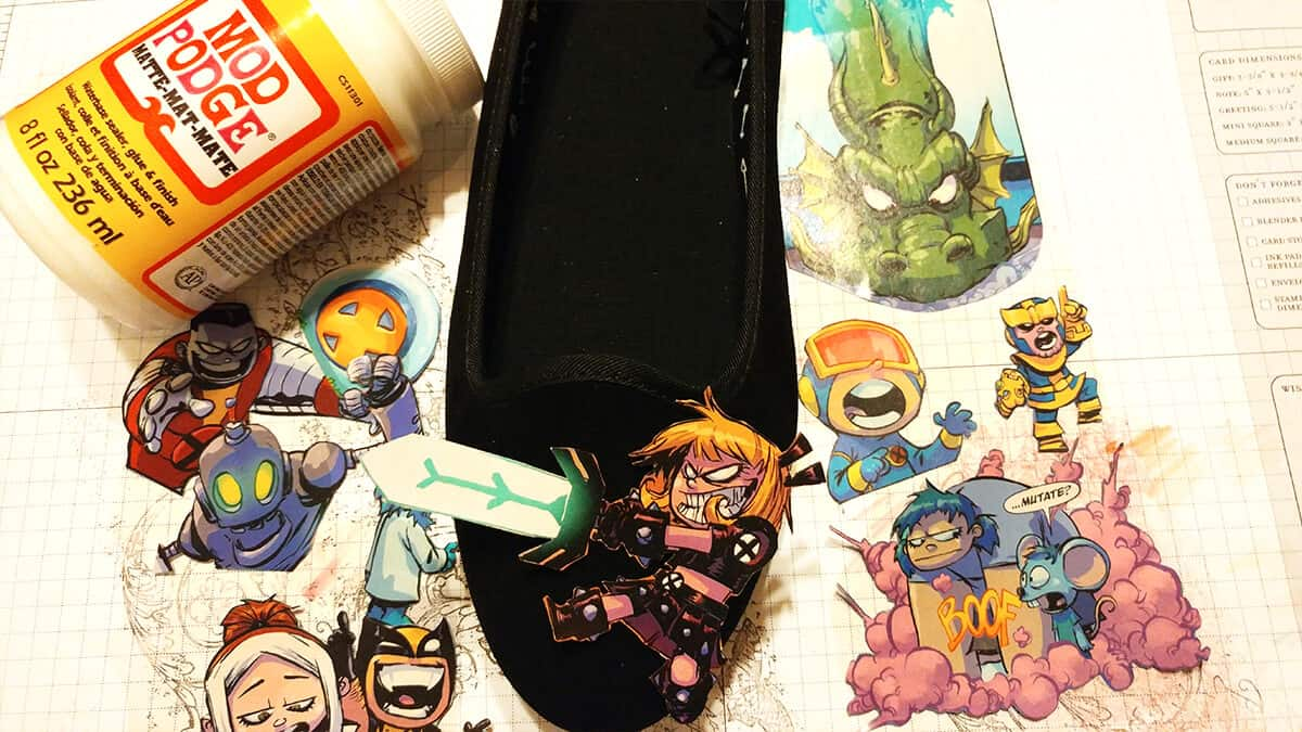 Comic Book Shoes - Clip your comics with precission scissors.