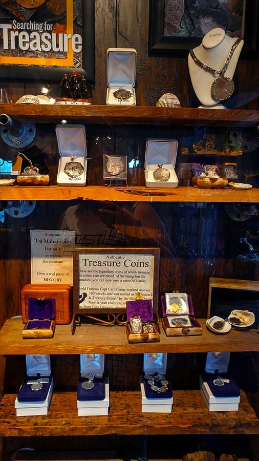 Pirate and Treasure Museum buy the treasure